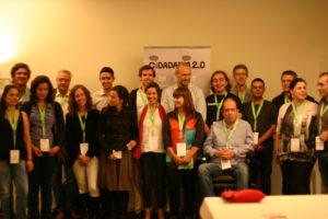Alguns dos oradores dos dois dias do Cidadania 2.0 na companhia dos três organizadores do evento
