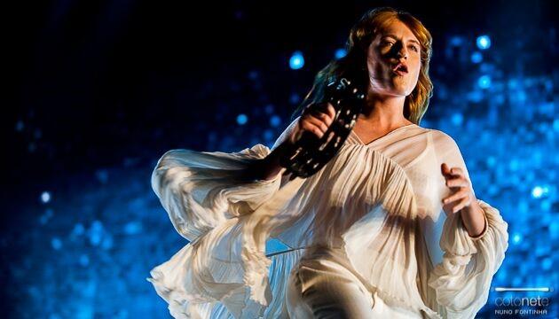 Florence Welch na edição de 2015 do Super Bock Super Rock, fotografada por Nuno Fontinha
