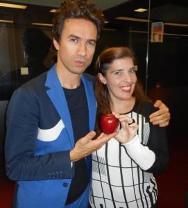 David Fonseca com Daniela Azevedo nas instalações da Media Capital Rádios
