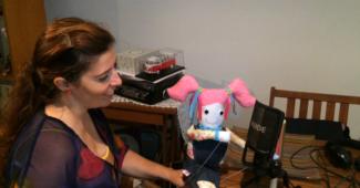 Daniela Azevedo dá voz à boneca Rosinha