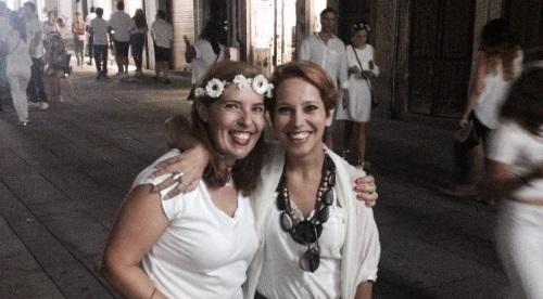 Daniela Azevedo com Ana Gomes no centro histórico de Braga onde filmou um videoclipe com os Fado in Bossa