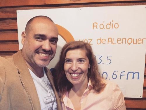 Paulo Gato entrevistado por Daniela Azevedo e a fazer felizes os ouvintes da Rádio Voz de Alenquer a 13 de novembro de 2016