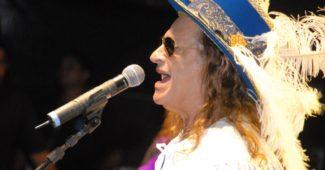 Alceu Valença no Carnaval da sua terra natal, Olinda