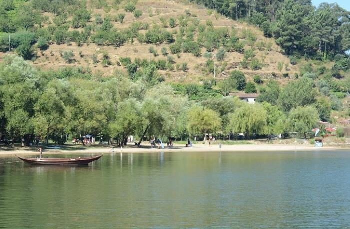 O Parque Fluvial de Porto de Rei convida a um mergulho no rio Douro