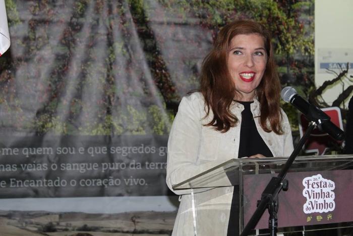 Daniela Azevedo na apresentação da 20.ª Festa da Vinha e do Vinho de Arruda dos Vinhos